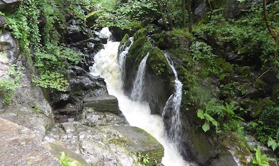 Sgydau Sychryd waterfall